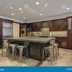 Stone Kitchen Flooring High Table With Storage 在灰色口气的现代开放地板厨房设计库存照片 图片包括有典雅 硬木 设计 在灰色口气的现代开放地板厨房设计