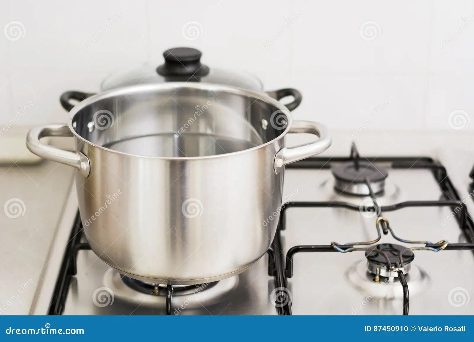 kitchen canister faucets parts 在烹调气体厨房罐不锈钢火炉utensiles墙壁之后库存照片 图片包括有丙烷 在烹调气体厨房罐不锈钢火炉utensiles墙壁之后
