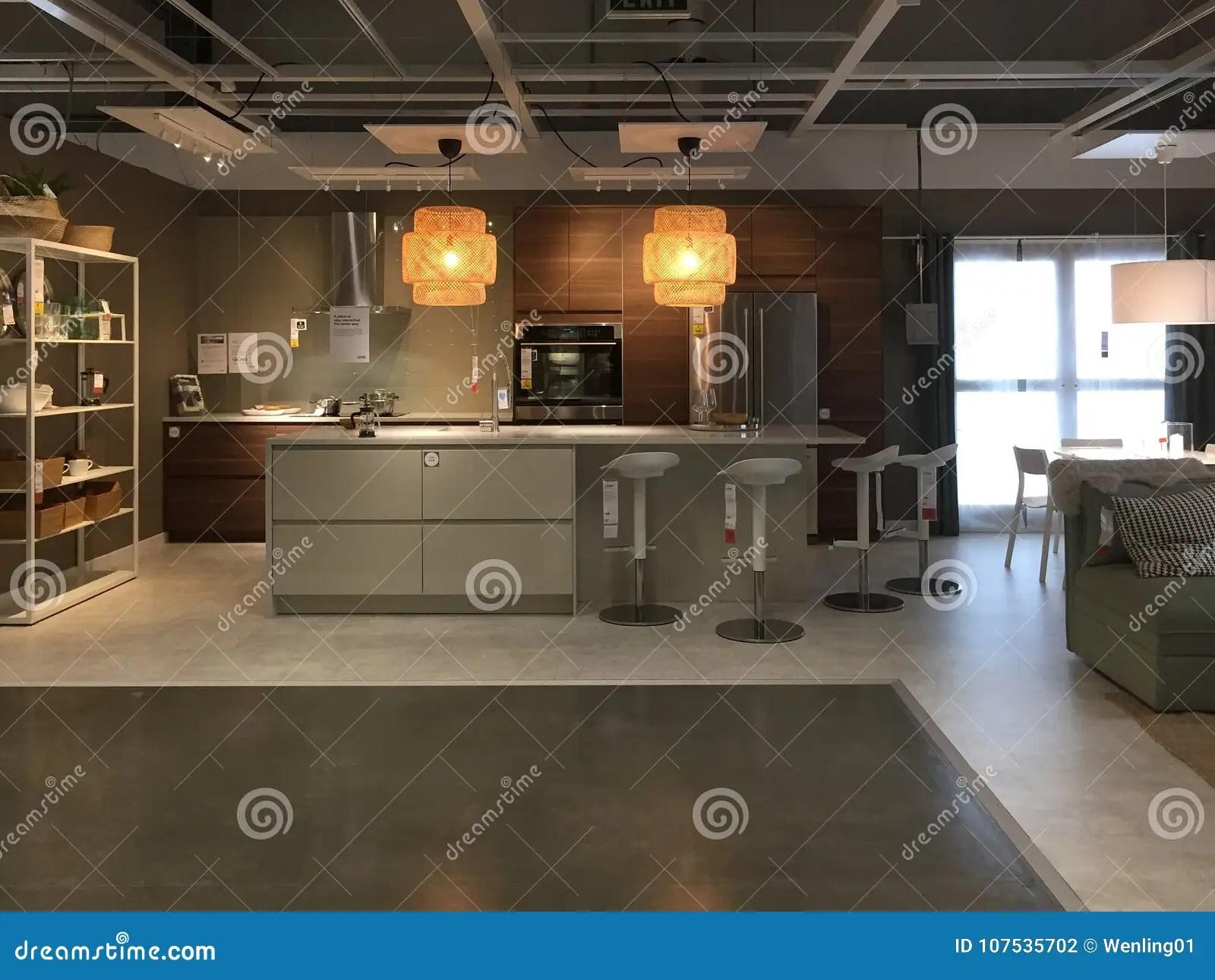 kitchen design stores island sets 在装备的商店宜家的现代厨房设计图库摄影片 图片包括有搭配 厨具 行业 在装备的商店宜家的现代厨房设计