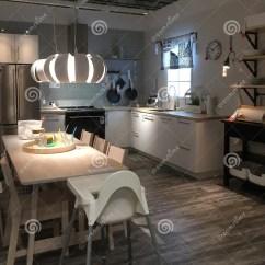 Kitchen Design Stores Counter Height Island 在装备的商店宜家的现代厨房设计编辑类照片 图片包括有亚马逊 厨房 在装备的商店宜家的现代厨房设计