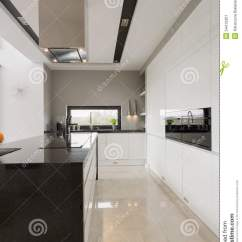 Marble Kitchen Floor Pants 大理石地板在厨房里库存图片 图片包括有时兴 日期 任何地方 用餐 光亮的大理石地板在现代宽敞厨房里