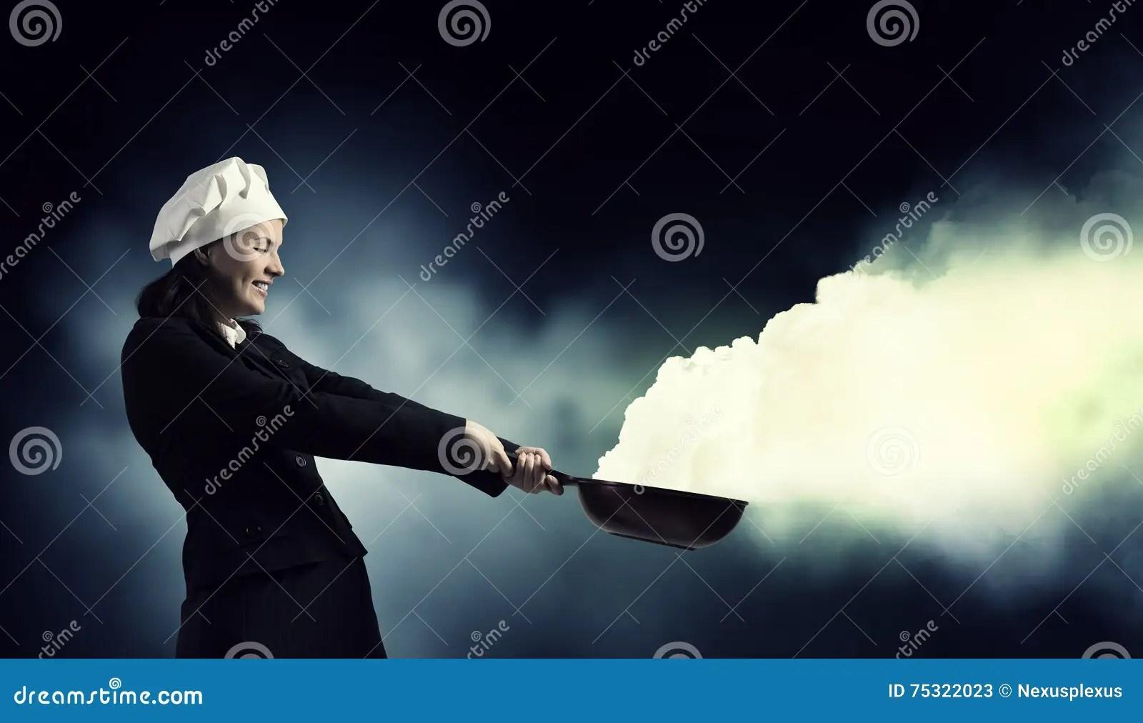kitchen magician trim 她是魔术师作为厨师混合画法库存图片 图片包括有主妇 魔术 厨房 商业 她是魔术师作为厨师混合画法