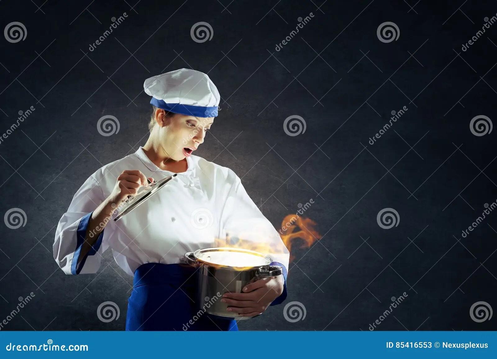kitchen magician grohe faucet cartridge replacement 她是魔术师作为厨师混合画法库存图片 图片包括有逗人喜爱 正餐 厨房 做在平底锅上的年轻可爱的厨师妇女魔术