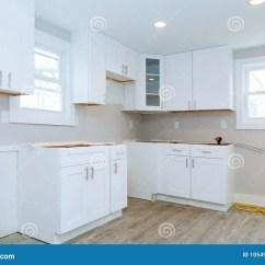 Redesigning A Kitchen Small Island Bar 安装厨柜厨房的室内设计建筑库存照片 图片包括有整修 户内 庄园 烤箱 一个厨房的室内设计建筑与安装厨柜