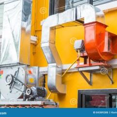 Kitchen Vent Duct Countertops Quartz 室外餐馆气管厨房通风管道库存照片 图片包括有吮吸者 输送管 透气 室外餐馆气管厨房通风管道