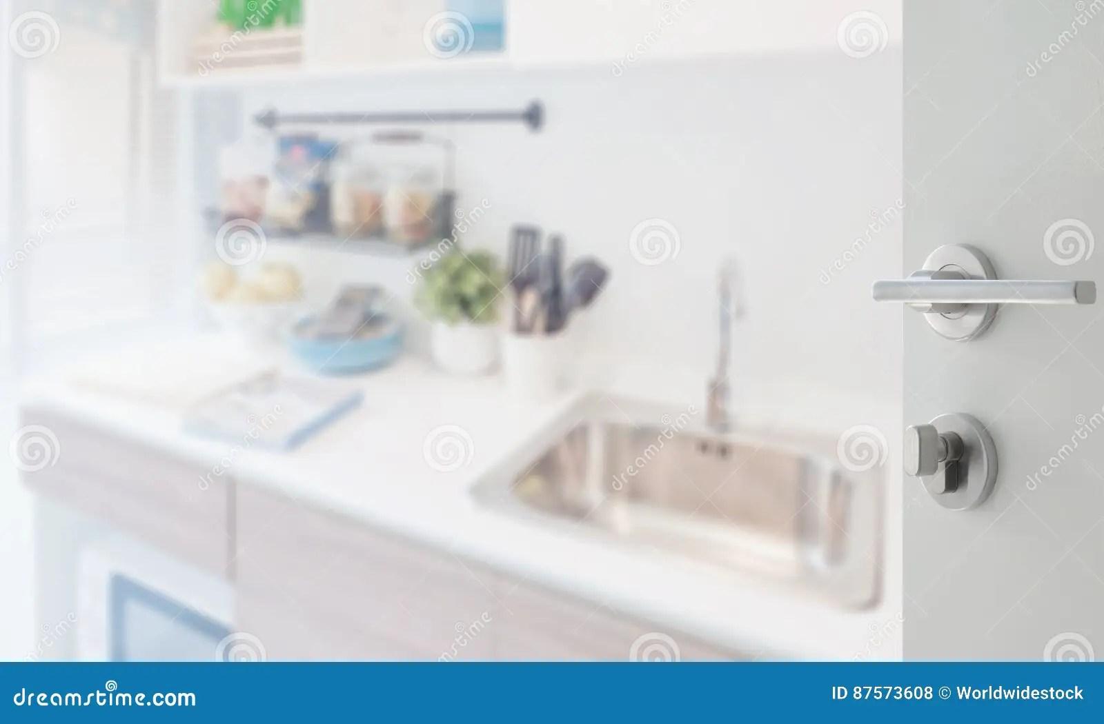 corner hutch kitchen cutting boards 对厨房角落的被打开的白色门与在柜台的器物库存照片 图片包括有厨房 对厨房角落的被打开的白色门与在柜台的器物