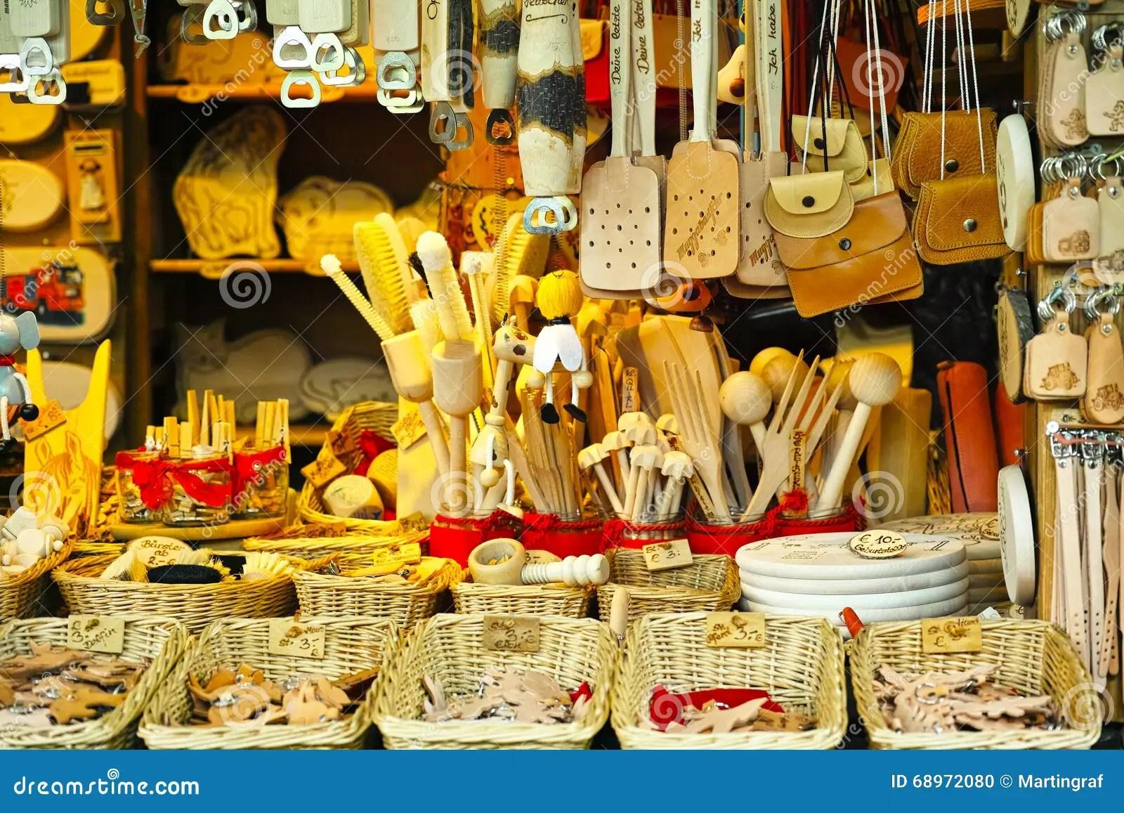 kitchen booths stove parts 市场摊位厨房器物和皮革物品库存照片 图片包括有商业 背包 杂烩 列阵 市场摊位厨房器物和皮革物品