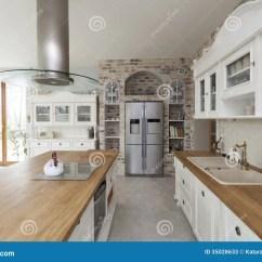 Tuscany Kitchen Faucet Gifts 托斯卡纳 厨房家具库存图片 图片包括有拱道 楼层 住宅 内部 方便 厨房家具
