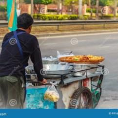 Kitchen Carts Decorative Ceramic Tiles 推挤在st的未认出的街头小贩一个流动厨房推车编辑类照片 图片包括有烹调 推挤在st的未认出的街头小贩一个流动厨房推车
