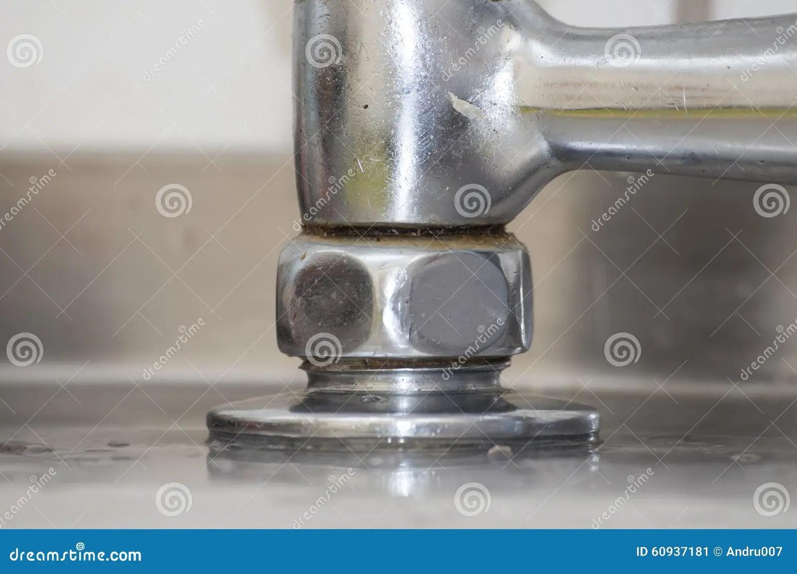 kitchen faucet spout wayfair cart 搅拌器 喷口木盆库存图片 图片包括有减速火箭 成象 grunge 镀铬物 老 肮脏的厨房龙头搅拌器 特写镜头