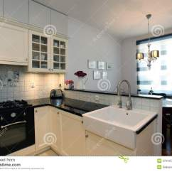 Farmhouse Kitchen Faucet Outdoor Bbq 新的时髦的厨房库存图片 图片包括有设计 灌肠器 椅子 投反对票 舒适 新的时髦的厨房
