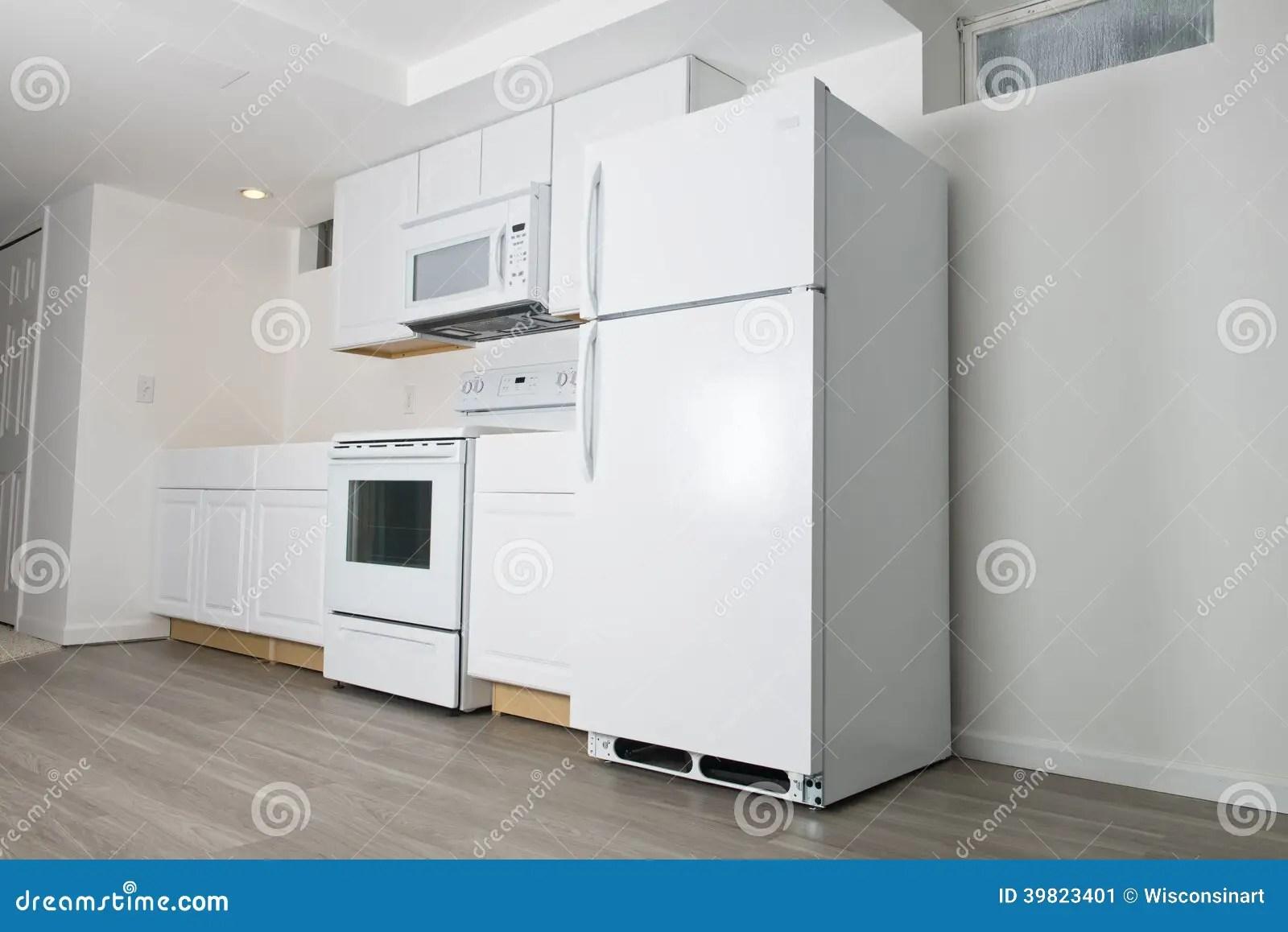 remodel a kitchen kitchens for less 新的白色厨房改造 住所改善库存图片 图片包括有改善 火炉 改造 急性 住所改善