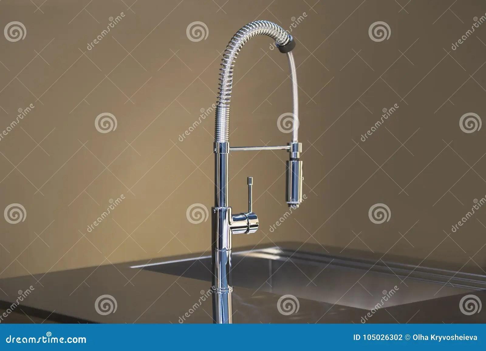 kitchen mixer cabinets.com 新的高厨房龙头设计厨房水槽轻拍搅拌器库存照片 图片包括有内部 详细 新的高厨房龙头设计厨房水槽轻拍搅拌器