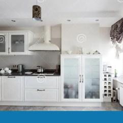European Kitchens Kitchen Mats Walmart 明亮的全新的欧洲厨房库存照片 图片包括有房子 陶瓷 家具 家庭 厨房 明亮的全新的欧洲厨房