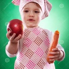 Kitchen Apron For Kids Best Floors 有拿着菜的方巾和厨房围裙的女婴被隔绝库存图片 图片包括有童年 愉快 有拿着菜的方巾和厨房围裙的女婴被隔绝