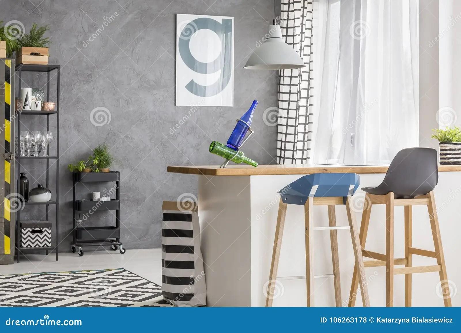 framed prints for kitchens bench kitchen table 有海报和凳子的厨房库存照片 图片包括有任何地方 海报 灰色 淡色 闪 有海报和凳子的厨房