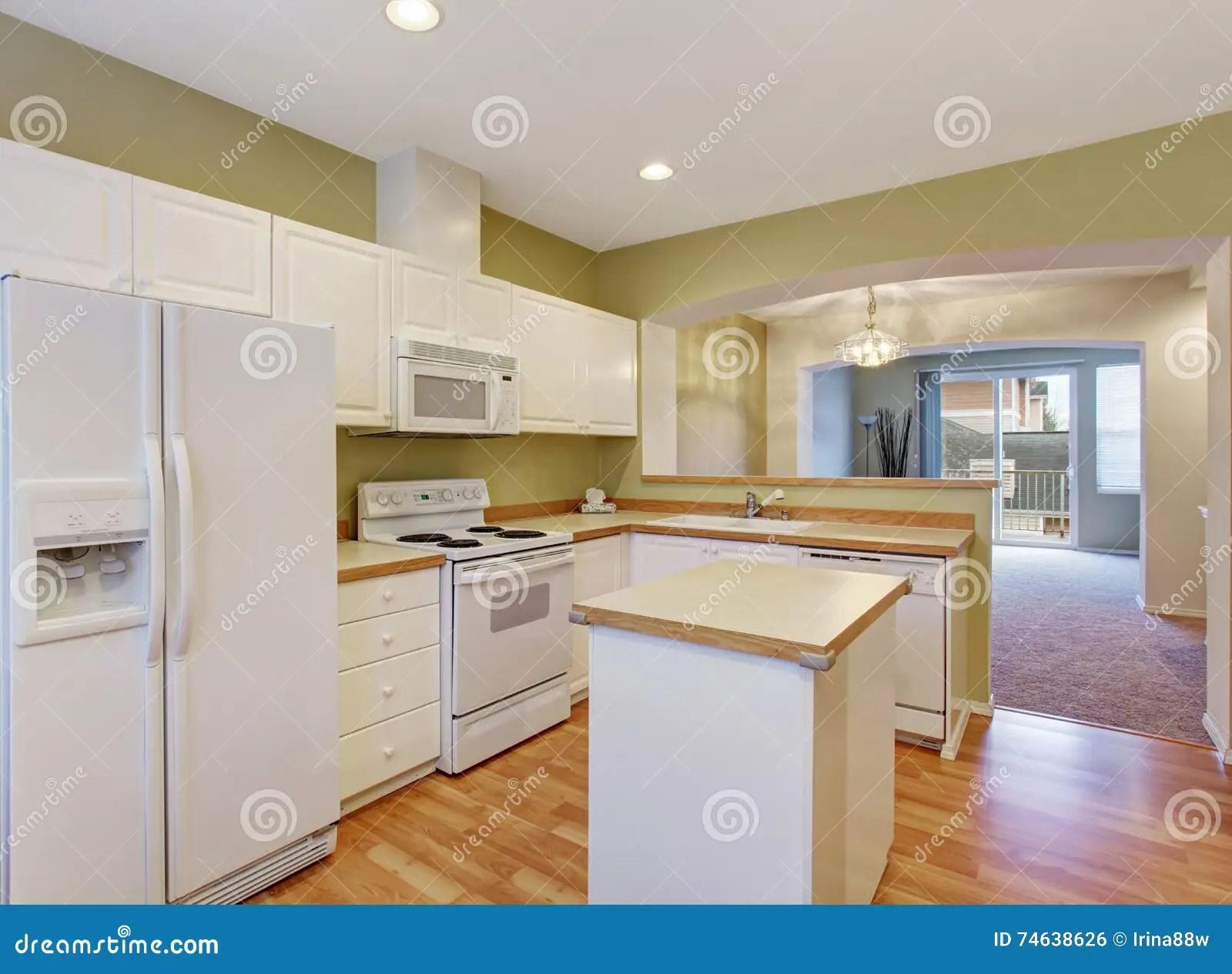 white kitchen cabinets country canister sets ceramic 有钢装置和海岛的白色厨柜 库存照片 图片包括有厨房 西北 不锈 有钢装置和海岛的 硬木地板白色厨柜