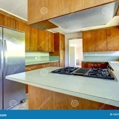 Renew Kitchen Cabinets Hell Games 有绿色上面的厨柜库存照片 图片包括有最高限额 空白 房子 更新 设计 厨房室在空的房子里木存贮组合与和浅绿色的上面看法