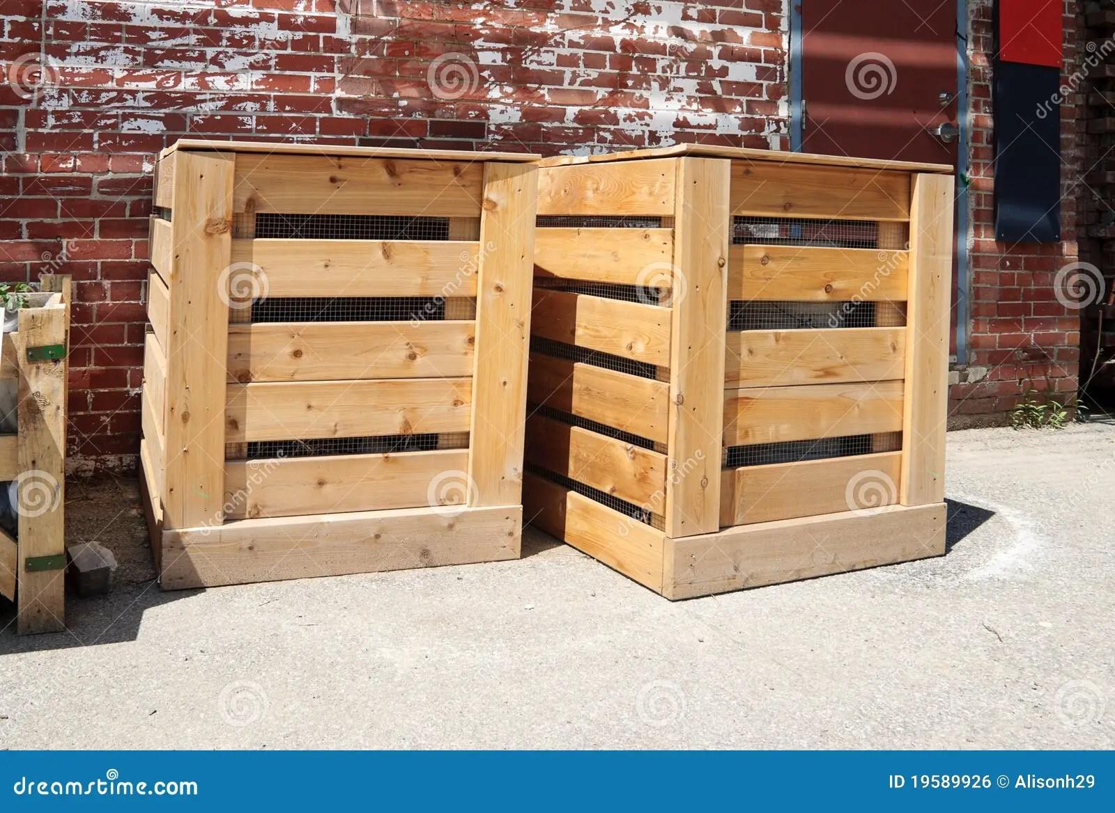 kitchen compost container food slicer 框堆肥木库存照片 图片包括有废物 罗盘箱 容器 从事园艺 庭院 花匠 容器从事园艺木的废物