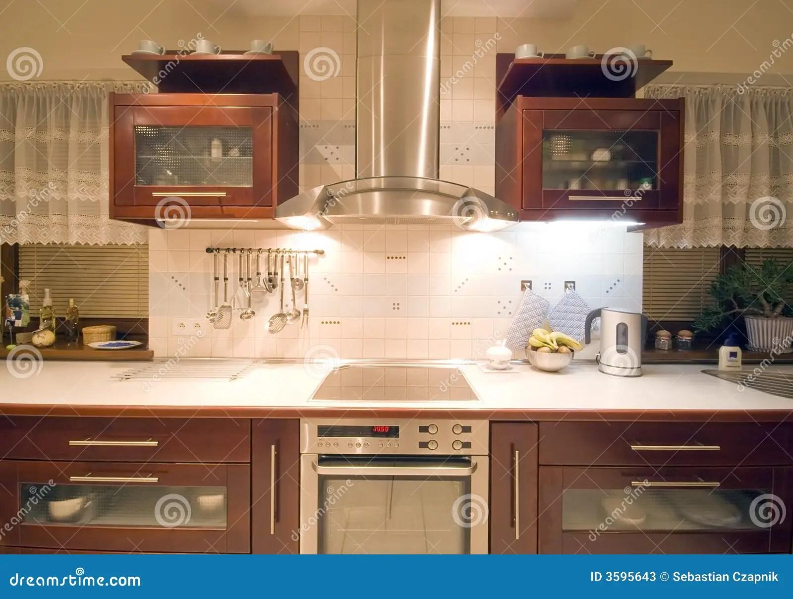 in stock kitchens kitchen settee 棕色内部厨房库存图片 图片包括有视窗 烤箱 碗柜 出票人 户内 经典 棕色内部厨房