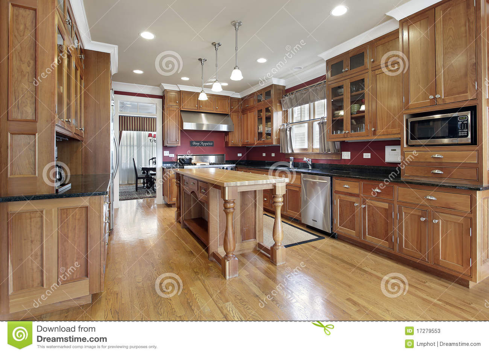 in stock kitchens dolphin kitchen accessories 海岛厨房木头库存图片 图片包括有正餐 庄园 灌肠器 椅子 机柜 海岛厨房木头