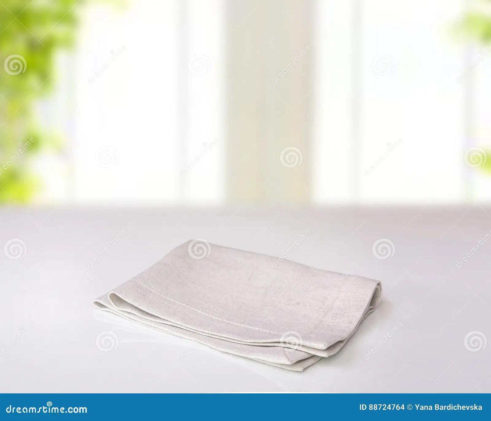 gray kitchen towels pet friendly hotels with kitchens 灰色在室内桌上的被折叠的厨房布料库存照片 图片包括有纺织品 背包 灰色在室内桌上的被折叠的厨房布料