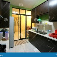 Kitchen Contractor Outdoor Storage Cart 现代公寓的厨房 免版税库存照片 - 图片: 895188
