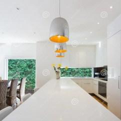Kitchen Banquettes For Sale Cost To Renovate A 现代开放学制澳大利亚厨房和用餐整修库存照片 图片包括有卤素 设计 与海岛垂饰的现代开放学制澳大利亚厨房和用餐整修