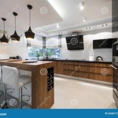 Kitchen Inventory Backsplash Cost 现代黑白厨房库存图片 图片包括有投反对票 豪华 对象 厨房 庄园 现代黑白厨房