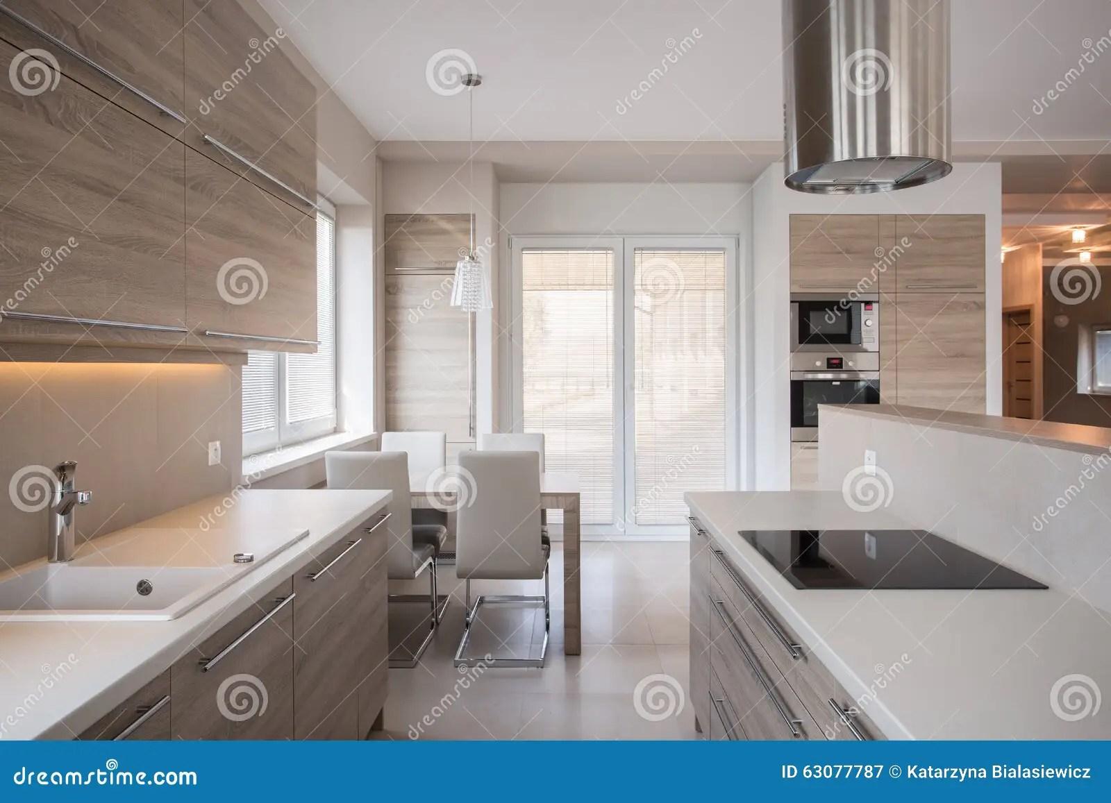 luxury kitchen faucets sink grid 现代设计的豪华厨房库存图片 图片包括有豪华 时髦 空白 任何地方 现代设计的豪华厨房