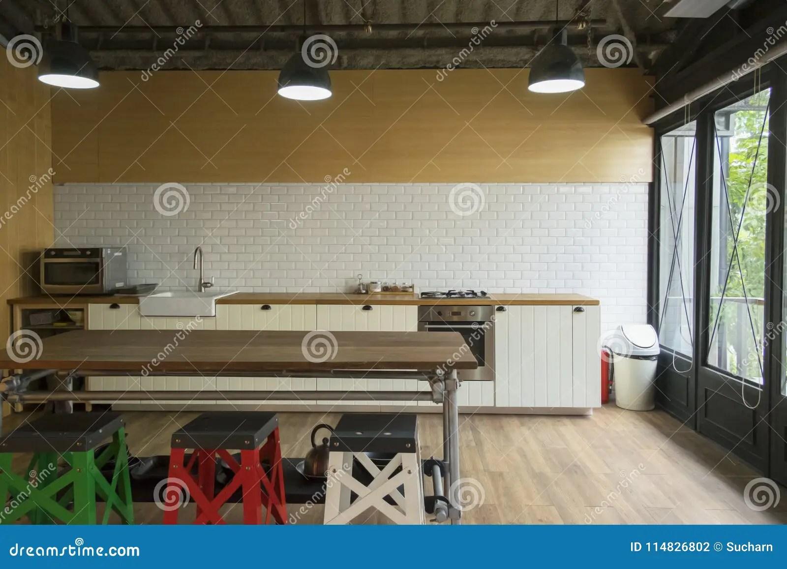 corner hutch kitchen soap dispenser parts 白色厨房的角落厨房是与丝毫的装饰库存照片 图片包括有任何地方 详细 白色厨房的角落厨房是与丝毫的装饰