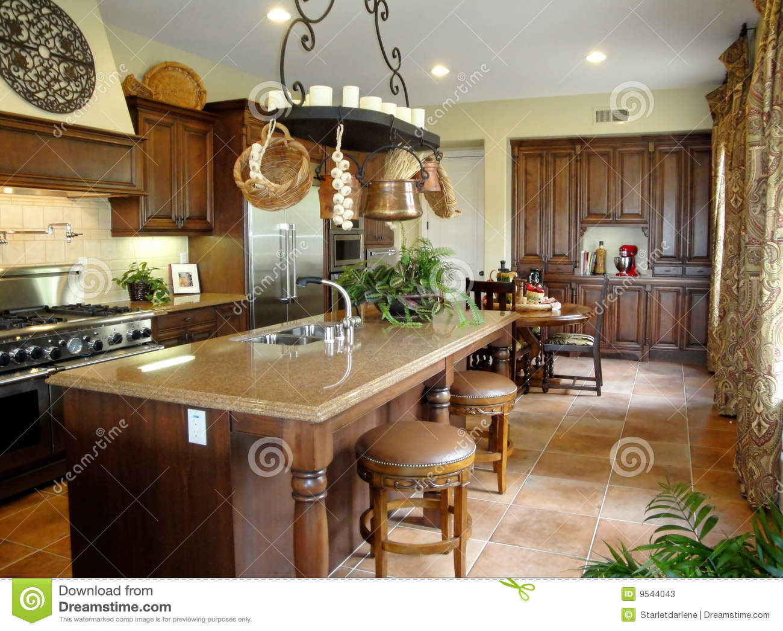 industrial kitchen stools european gadgets 美好的意大利厨房样式库存图片 图片包括有厨房 凳子 计数器 灌肠器 工具美好的美食的意大利厨房不锈钢样式