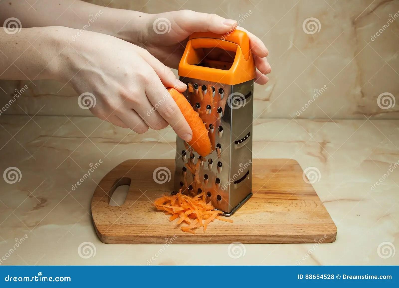 kitchen pantry portable outdoor 背景红萝卜食物磨丝器现有量藏品厨房工作室菜白色库存照片 图片包括有 背景红萝卜食物磨丝器现有量藏品厨房工作室菜白色
