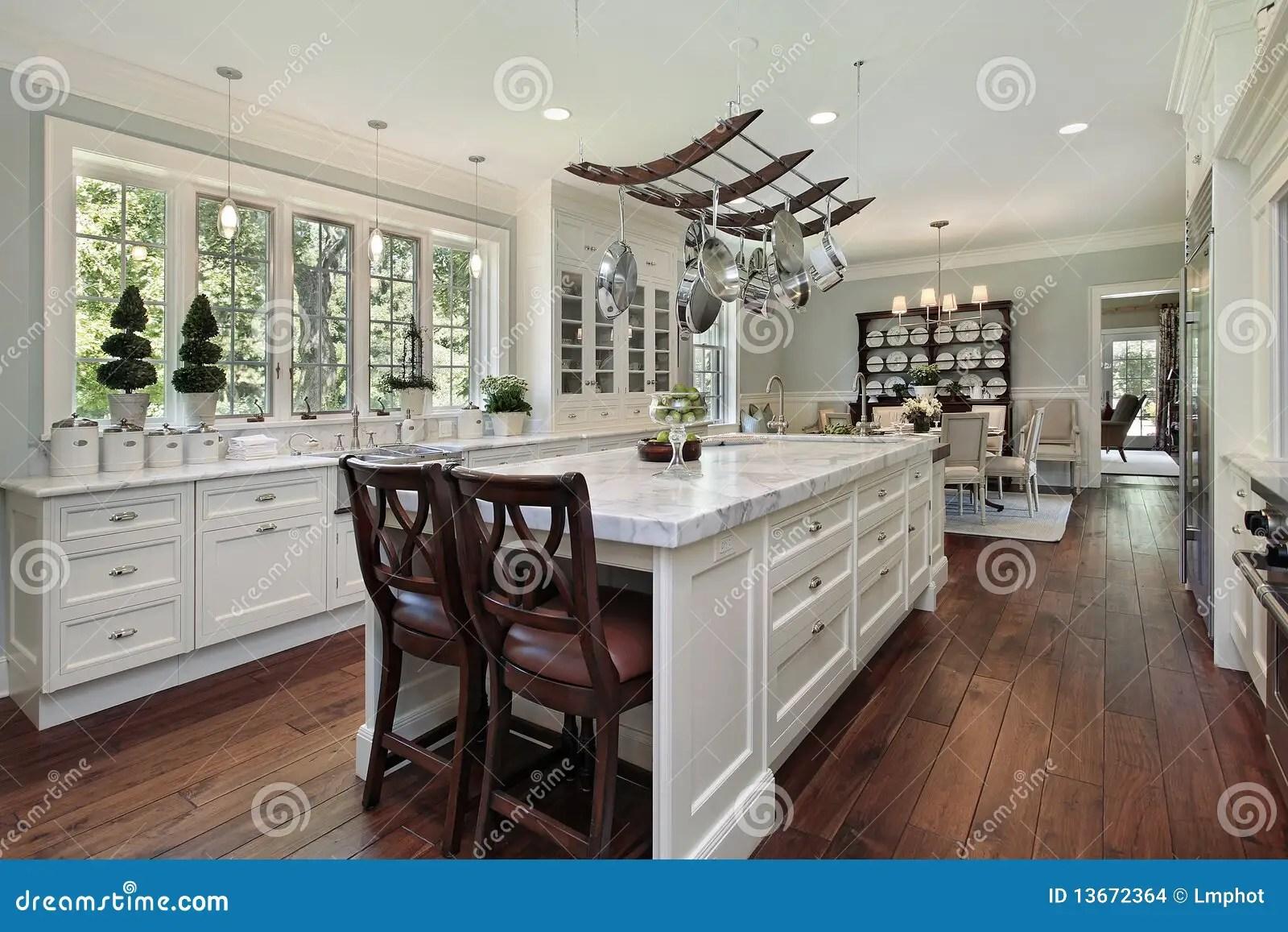 in stock kitchens kitchen cabinet spice rack 花岗岩海岛厨房白色库存照片 图片包括有系列 实际 楼层 板岩 机柜 花岗岩海岛厨房白色