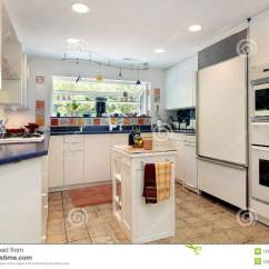 In Stock Kitchens Top Corner Kitchen Cabinet 蓝色工作台面厨房库存照片 图片包括有用餐 拱道 设计 陈设品 灌肠器 蓝色工作台面厨房