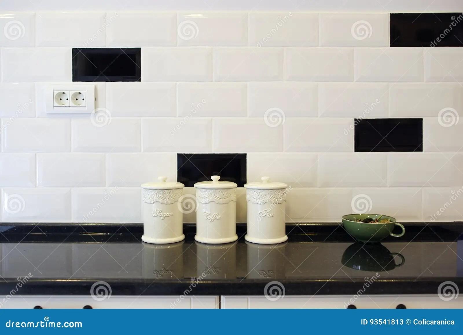 luxury kitchen faucets table island 豪华厨房 糖 茶和咖啡罐库存图片 图片包括有龙头 地毯 厨房 闪亮 茶和咖啡罐