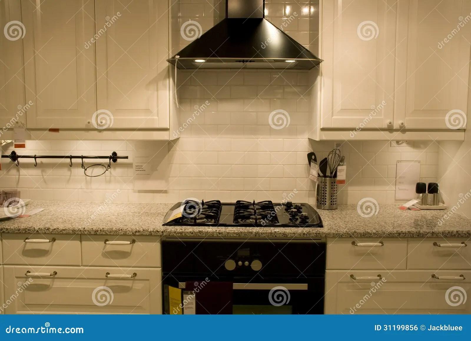 home and kitchen stores assembled cabinets 豪华家庭厨房室内设计库存照片 图片包括有照明设备 厨房 顶层 装饰 豪华家庭厨房室内设计在商店