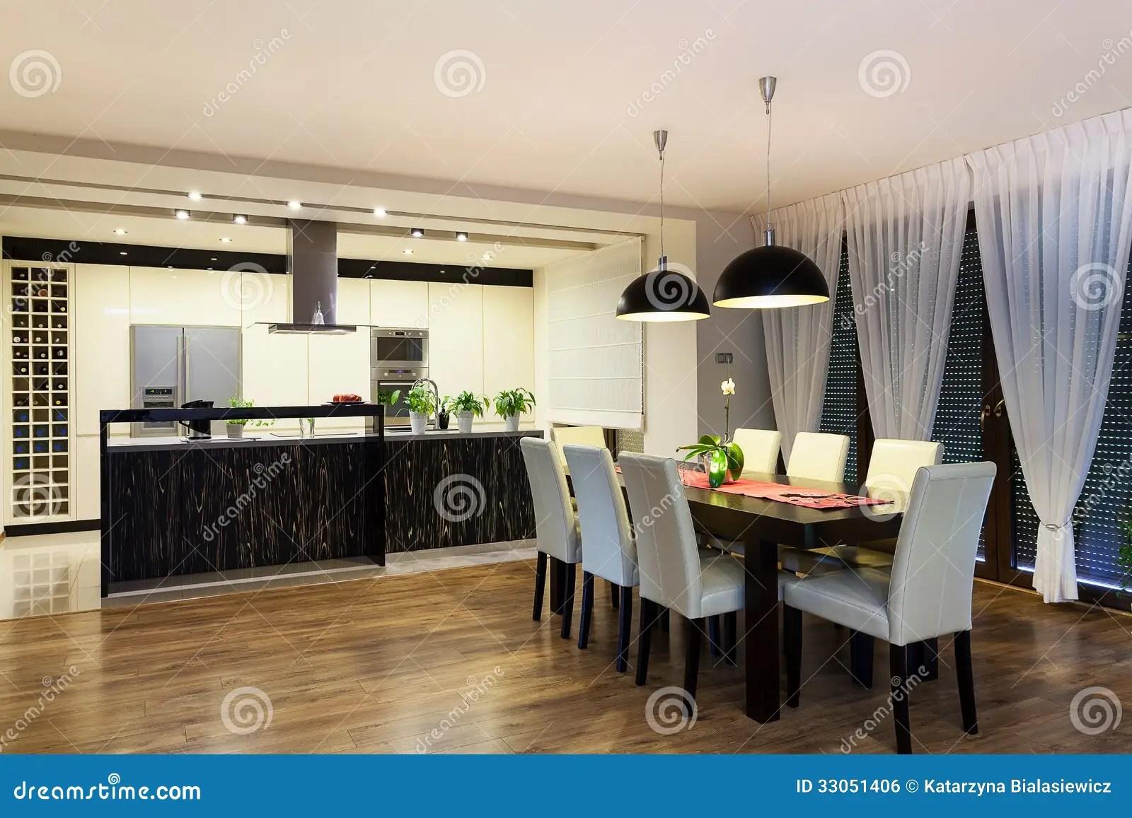 kitchen curtains for sale big sinks 都市公寓 厨房和客厅库存照片 图片包括有庄园 窗帘 工厂 现代 房子 厨房和客厅