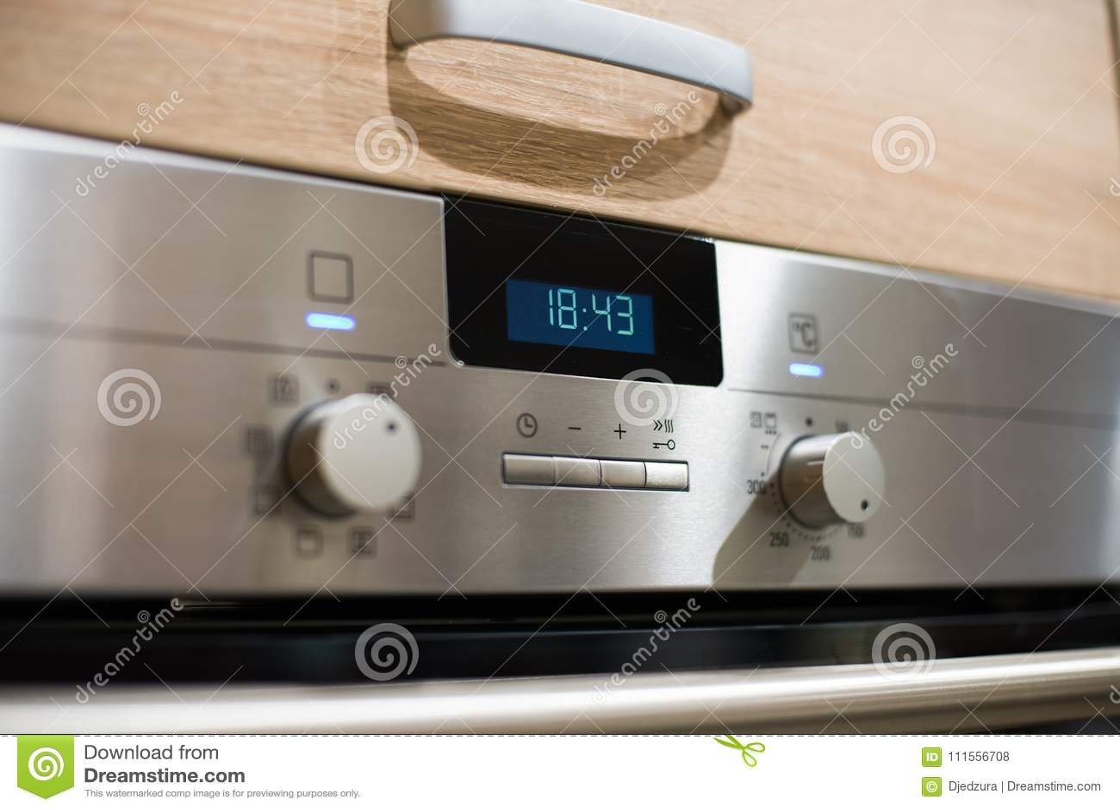 kitchen ovens countertops cheap 金属电厨房烤箱控制板库存照片 图片包括有能源 按钮 灌肠器 温度 在厨房里金属化电厨房烤箱控制板