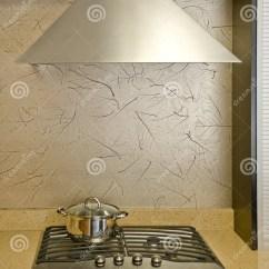 Kitchen Hood Fans Blue Backsplash Tile 风扇厨房烤箱库存图片 图片包括有火炉 安排 烹饪器材 平底锅 烤箱 烹饪器材设计详细资料风扇气体kitched现代的厨房
