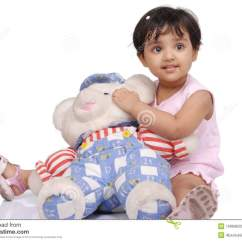 Baby Sitting Chair India Knoll Chadwick 2 3 Years Old Girl Stock Photo Image Of Small