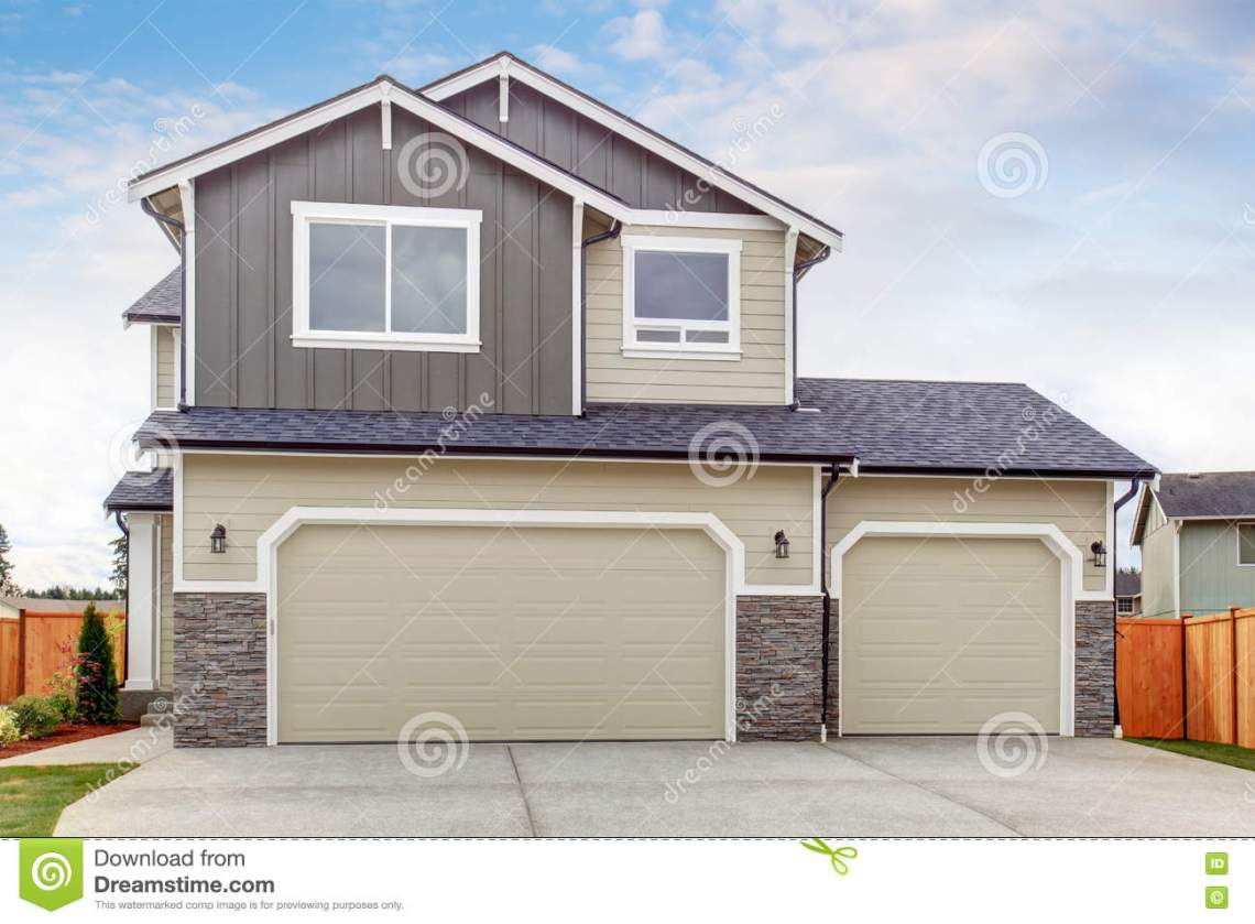 American Garage Home - american-house-exterior-two-garage-spaces-concrete-floor-driveway-74849527_Good American Garage Home - american-house-exterior-two-garage-spaces-concrete-floor-driveway-74849527  Gallery_275567.jpg