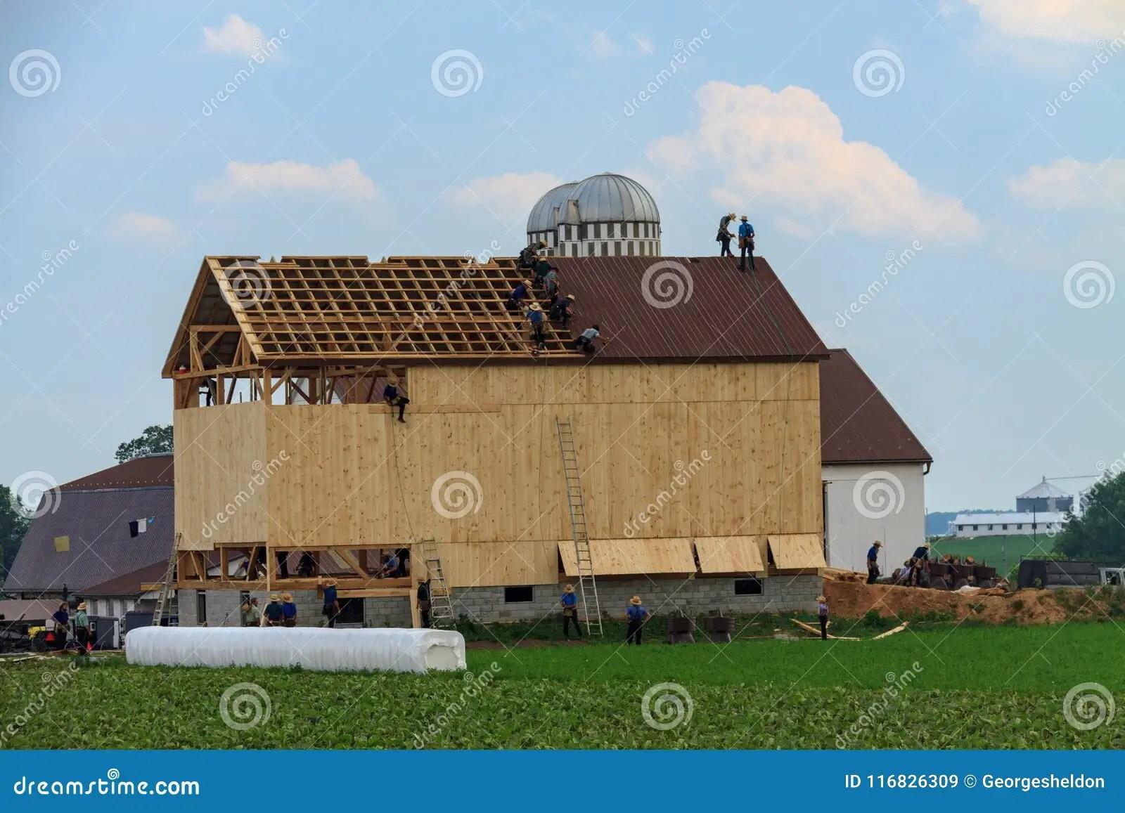 amish build a barn