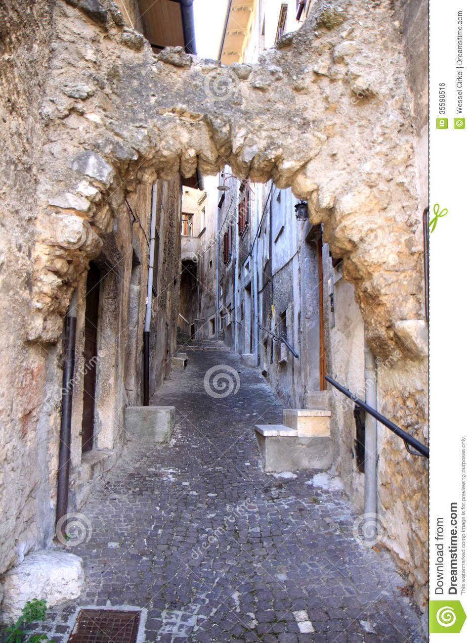Ancient Picturesque Narrow Street Scanno Italy Royalty