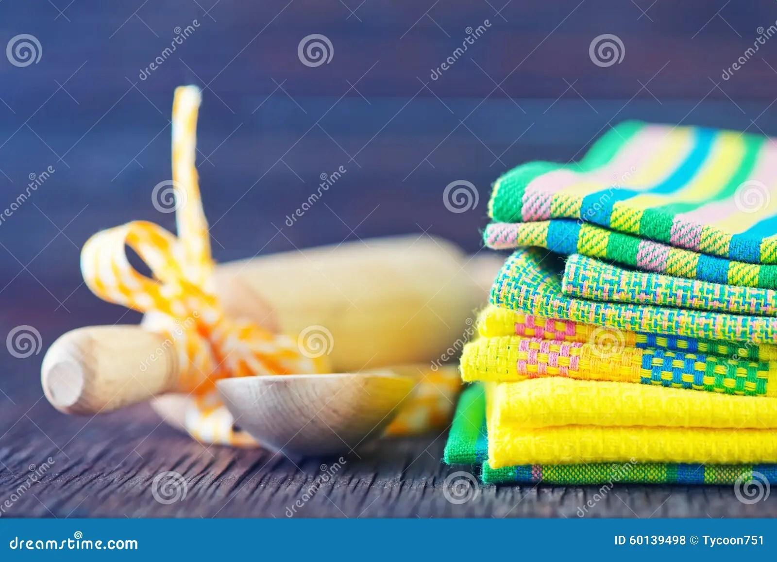 Broderie Suisse per passione: Asciugamani da cucina