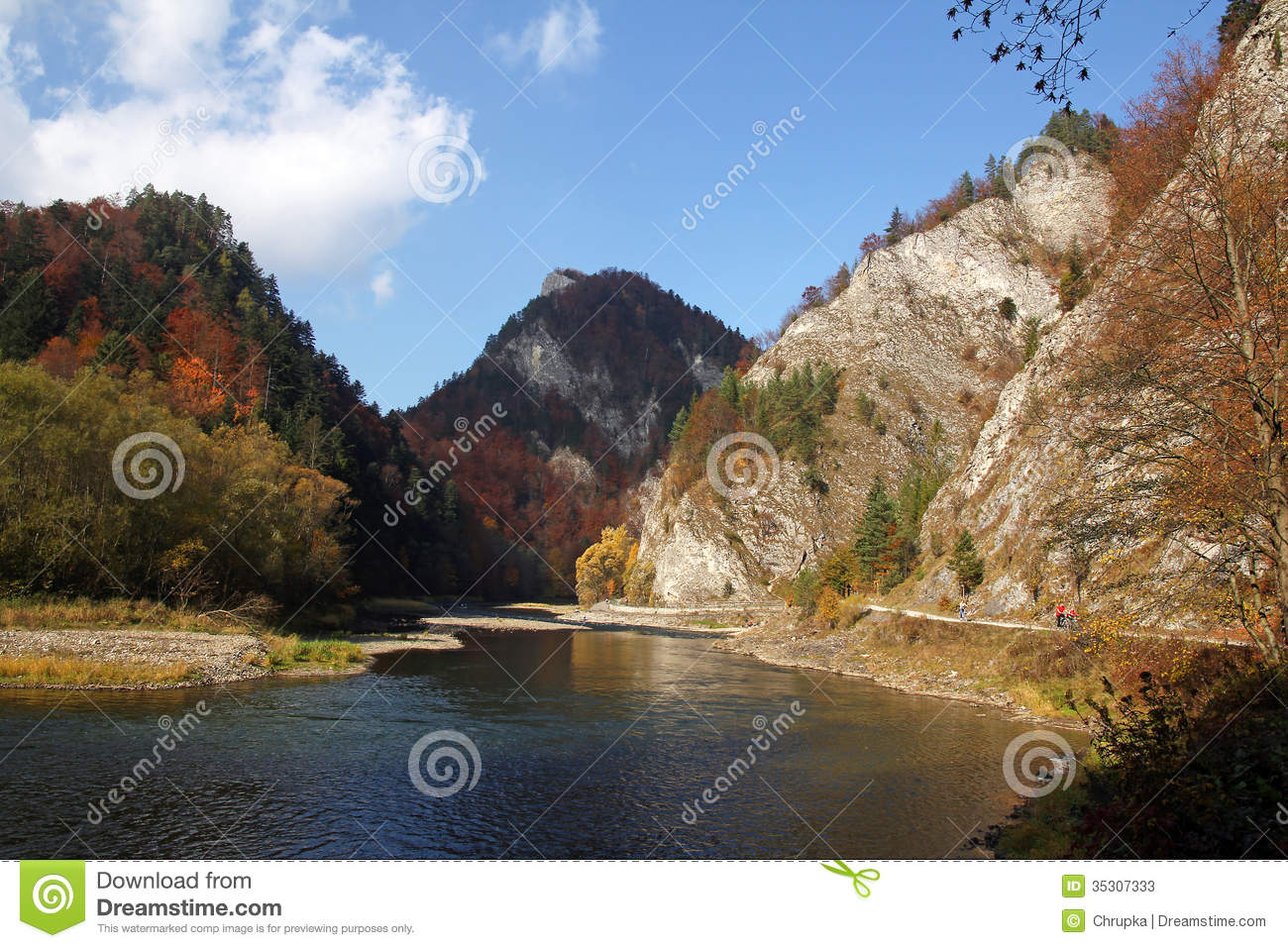 Free Fall Foliage Wallpaper Autumn Landscape With The Dunajec River Gorge In Pieniny