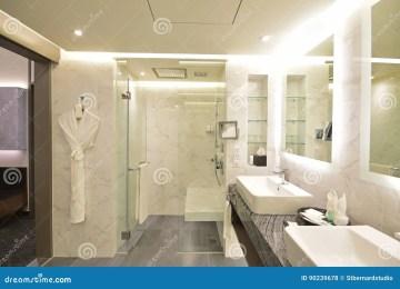 Bagno Marmo Nero E Bianco Bagno Mosaico Oro Stonest Marmo And Graniti