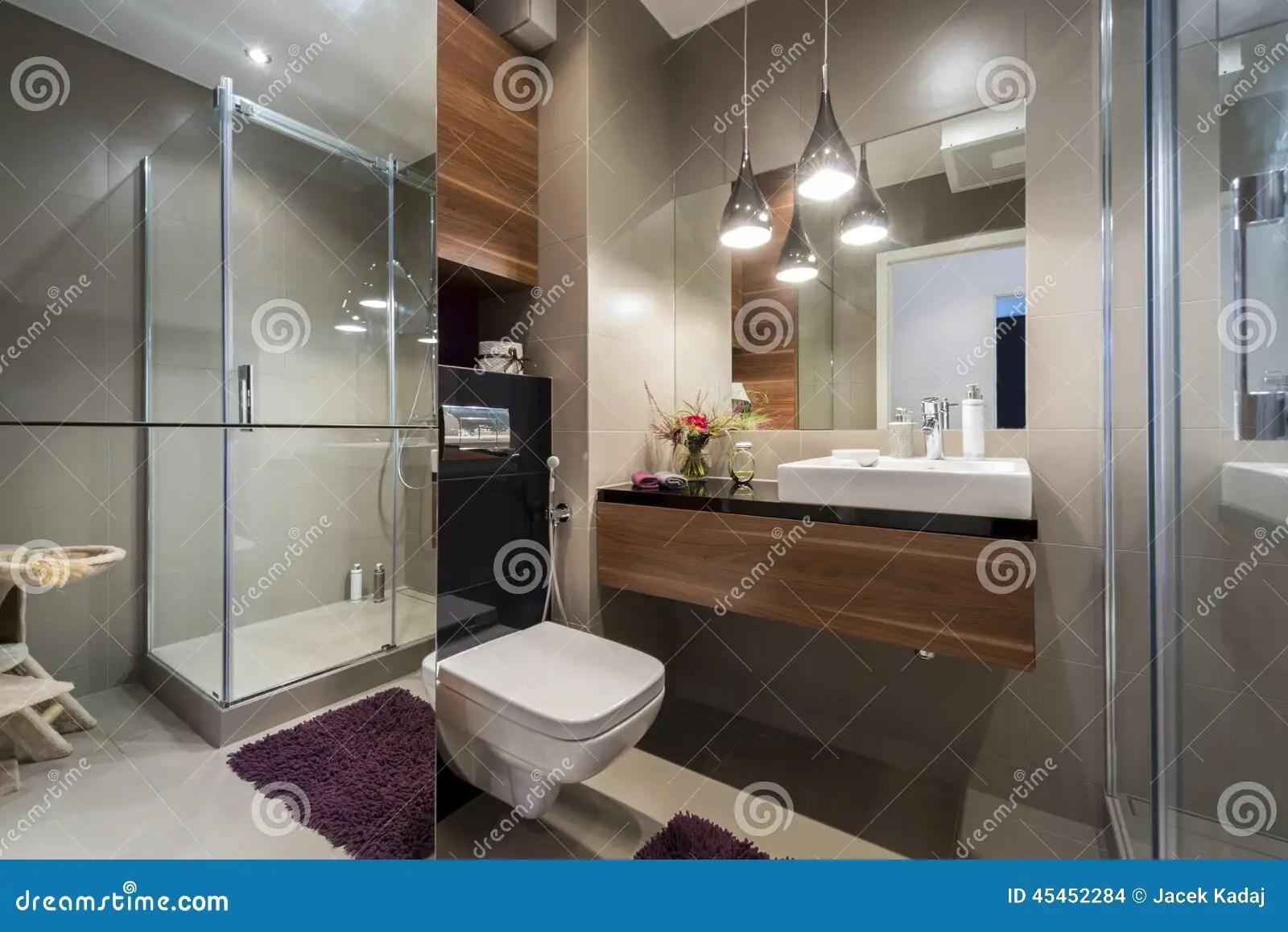 Bagno Grigio E Beige Moderno Fotografia Stock  Immagine di rubinetto decorazione 45452284