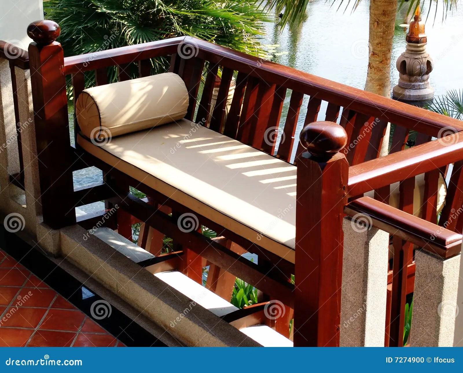 banc en bois photo stock image du bois banc 7274900