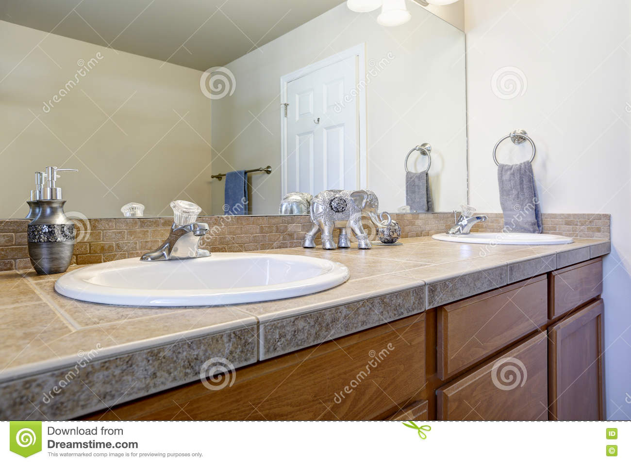 Bathroom Double Sink Vanity Cabinet Close Up Stock Image Image Of Tile Bathroom 80016701